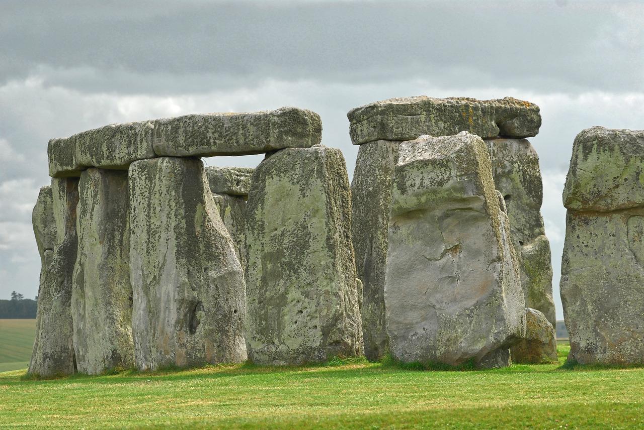 stonehenge-1314998_1280